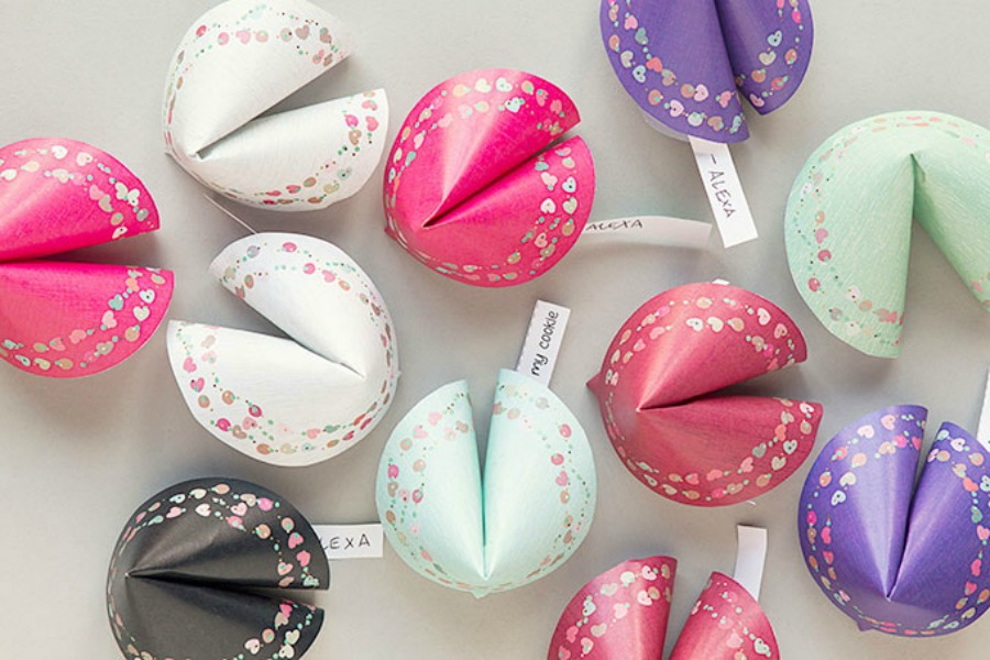 Last-minute Valentine's Day gifts: Free Printable Valentine's Day Fortune Cookies by Everymine