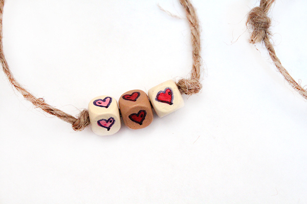 Last-minute Valentine's Day gifts: Friendship Bracelet by Moms and Crafters