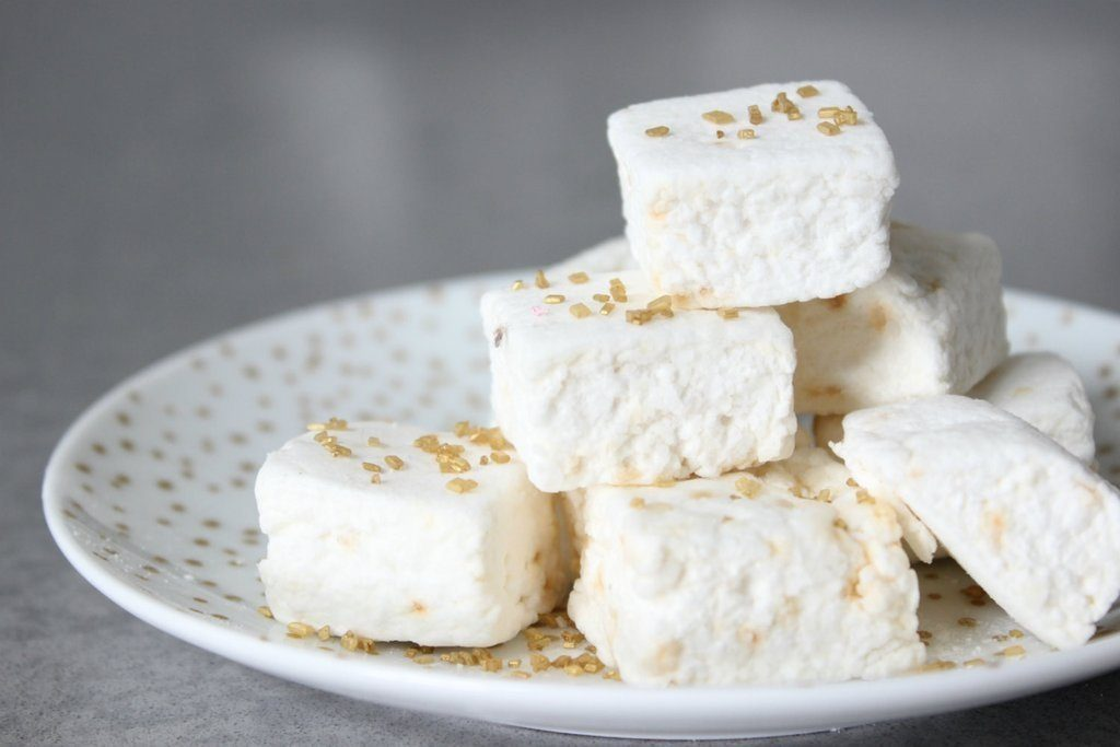 Golden champagne marshmallows | Cool affordable Mother's Day gifts under $15