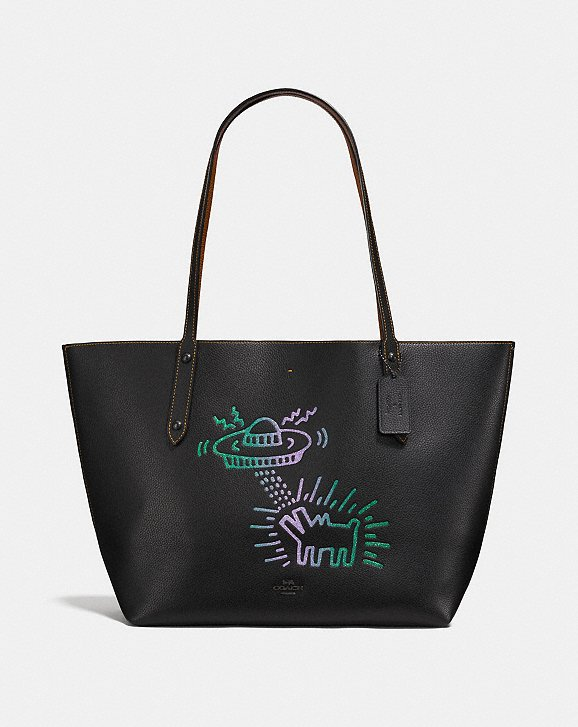 Coach X Keith Haring Market Tote featuring his dog ufo design. So amazing