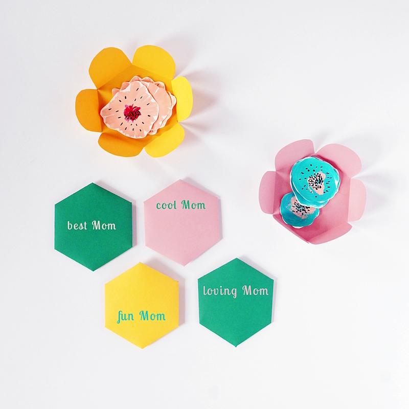 DIY Mother's Day gifts that kids can make: Paper Flower Card by Hello Wonderful