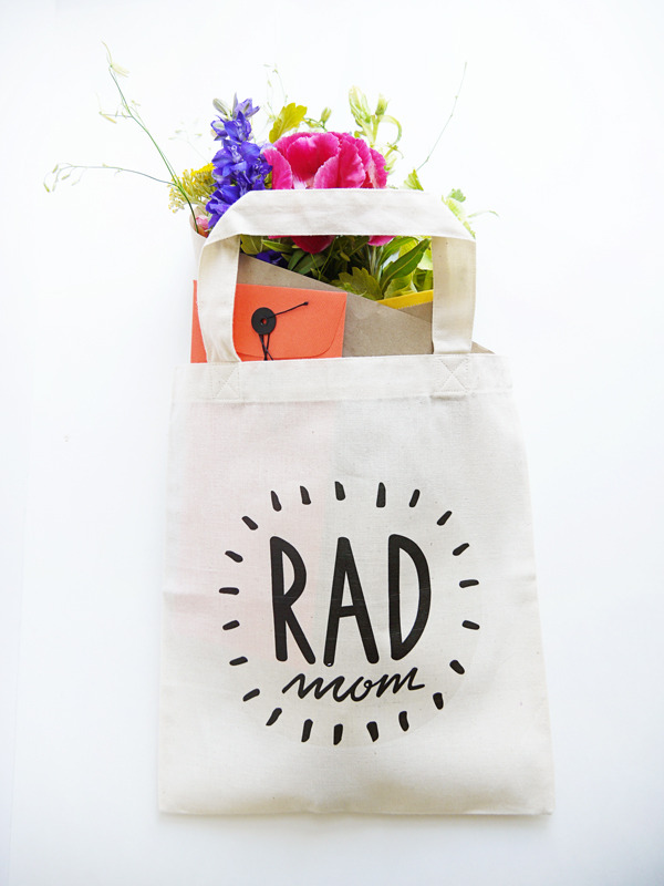 DIY Mother's Day gifts that kids can make: Tote Bag by Oh Happy Day