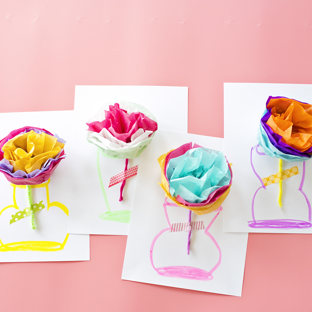 Cool Mother's Day gifts for grandma: DIY paper flower card tutorial at Hello Wonderful