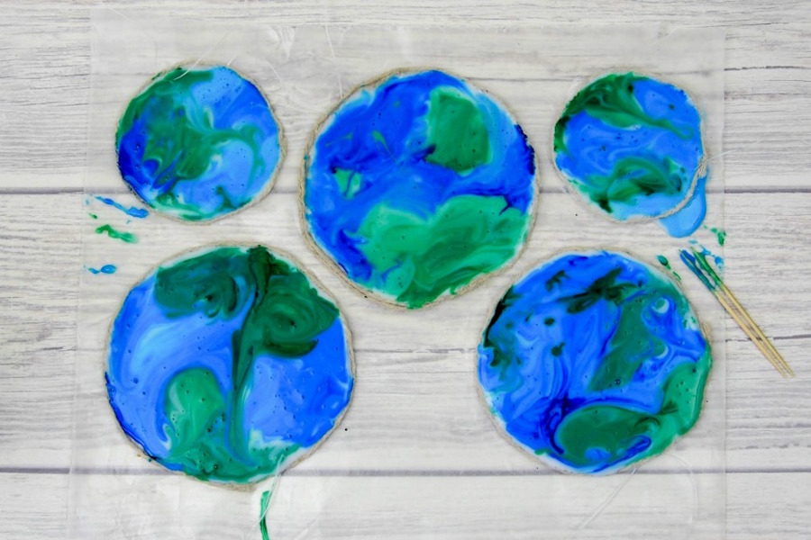 8 easy Earth-inspired Earth Day crafts for kids