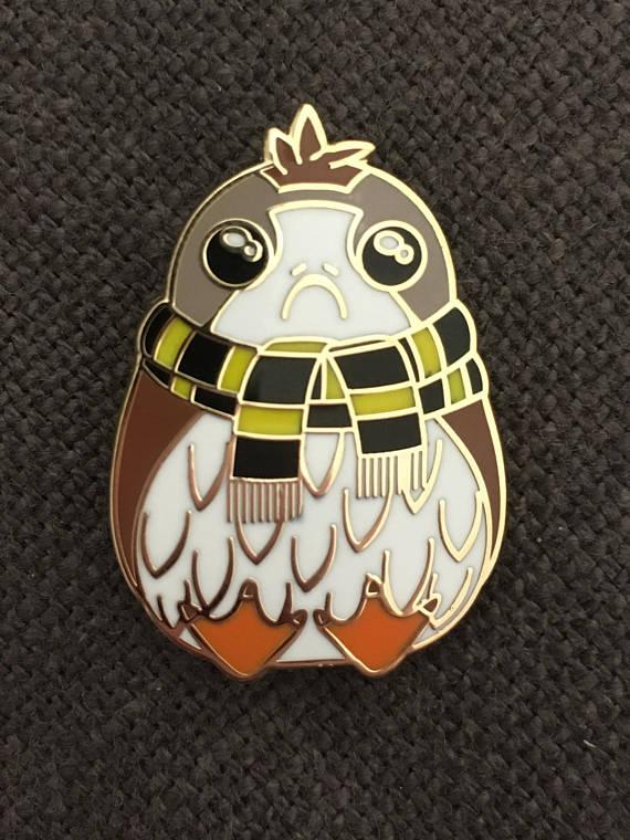 Hogswarts porg pin for all houses | UtinniBikini on Etsy