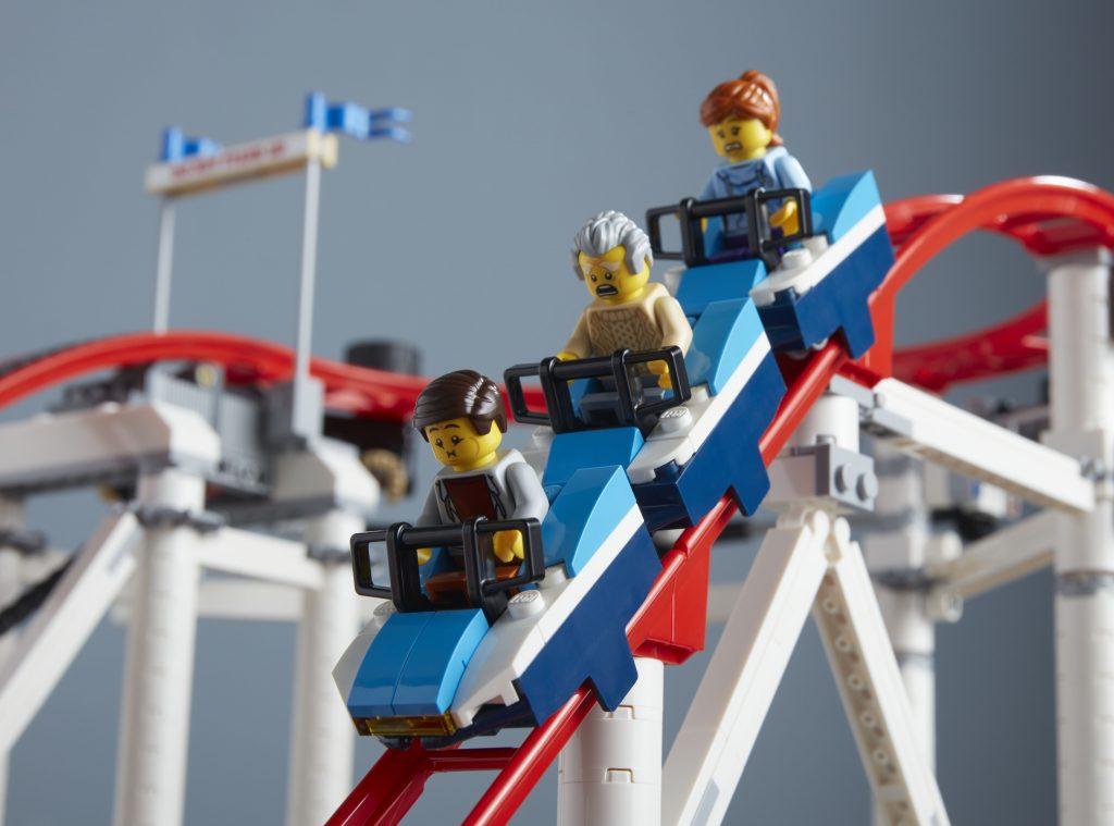 the new LEGO Creator Expert Roller Coaster set has 4,124 pieces!