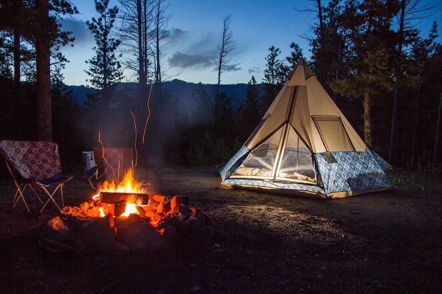 Ready to try camping with kids? Here are 8 camping essentials you need, and how to get them affordably