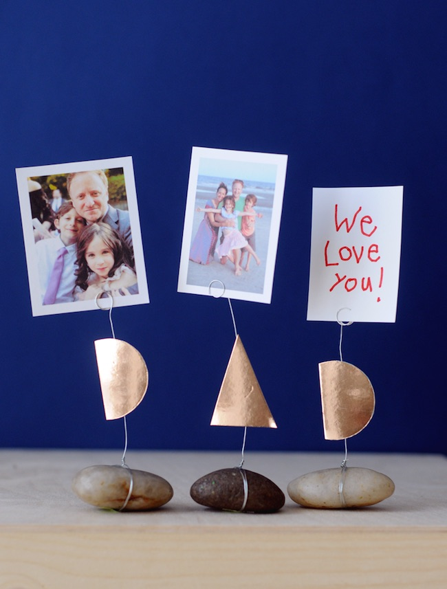 Creative DIY Father's Day gifts that kids can help make: DIY Father's Day Photo Holders by Project Kid