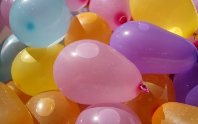 3 options for more eco-friendly water balloons for less mess, less risk to animals
