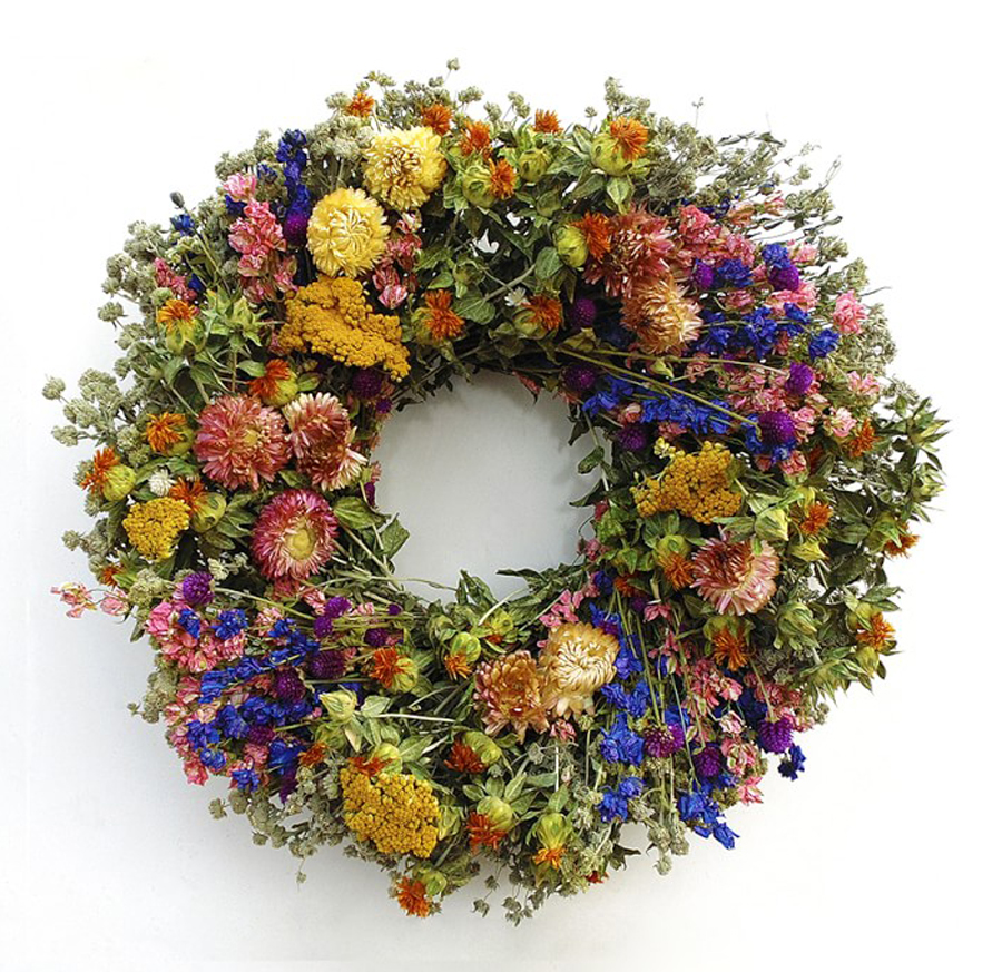 Flower alternatives for Mother's Day: A springy floral wreath