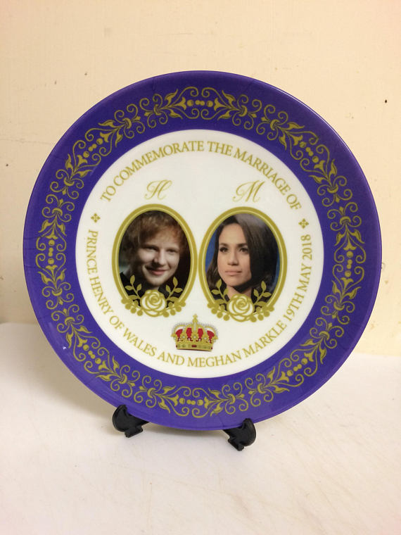 Royal Wedding commemorative plate featuring Meghan Markle and... Ed Sheeran? | Cool Mom Picks
