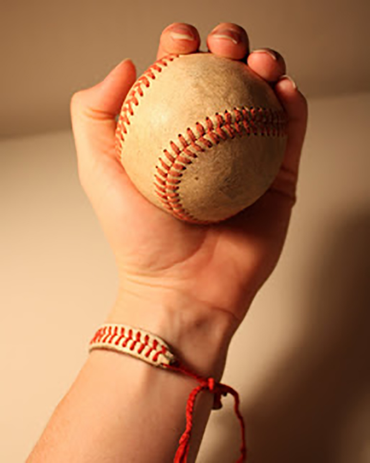 Summer DIY crafts for teens: Baseball String Bracelet from I Can Find The Time