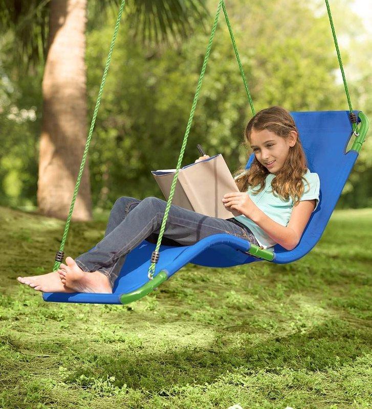 Cool backyard swings for kids: Chaise lounge swing