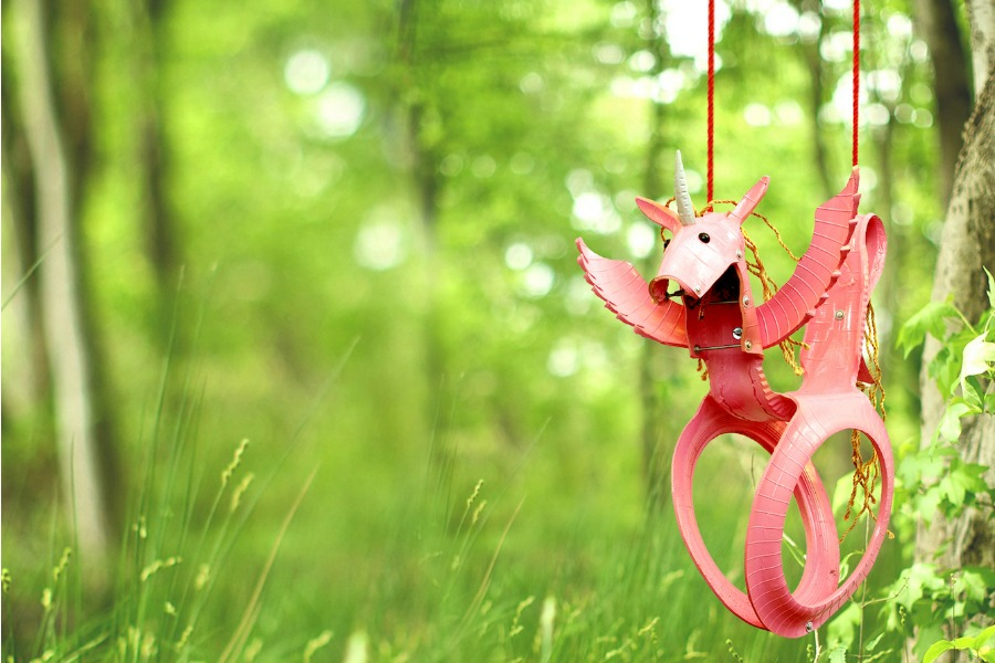 6 of the coolest backyard swings to turn your yard into a playground