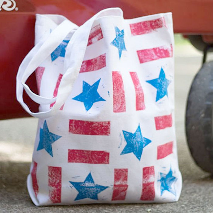 Easy 4th of July crafts for kids: DIY tote bags at Black Walnut Stitch