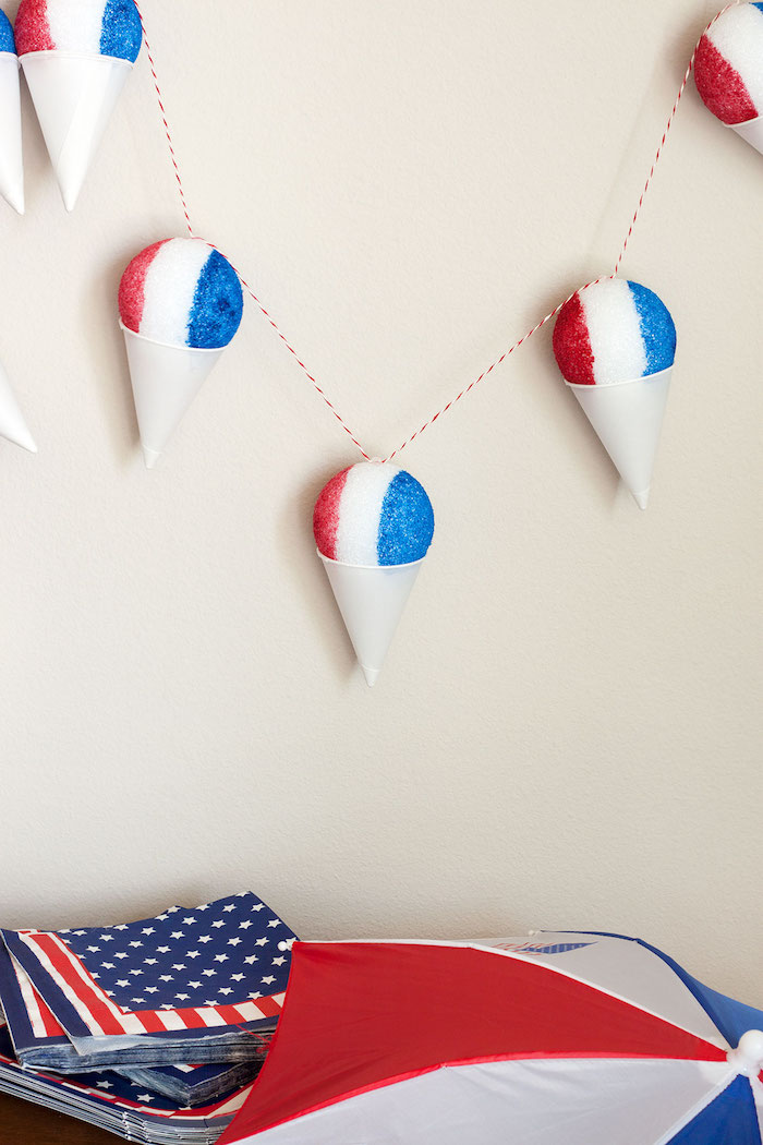 Easy 4th of July crafts for kids: Sno-cone garland at Paint the Gown Red