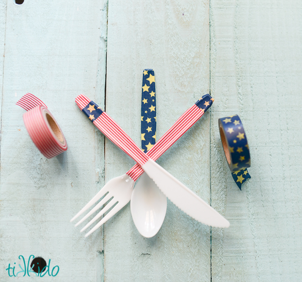 Easy 4th of July crafts for kids: Washi tape silverware at Tikkido