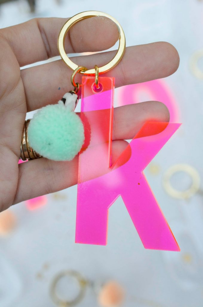 Giant initial keychains for decorating your kids' backpacks | JillMakes on Etsy