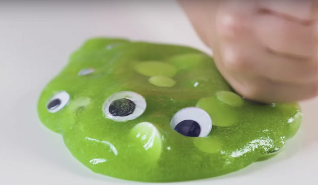 How to make monster slime for a fun slime party: Recipe via McCormick Food Color (sponsor)