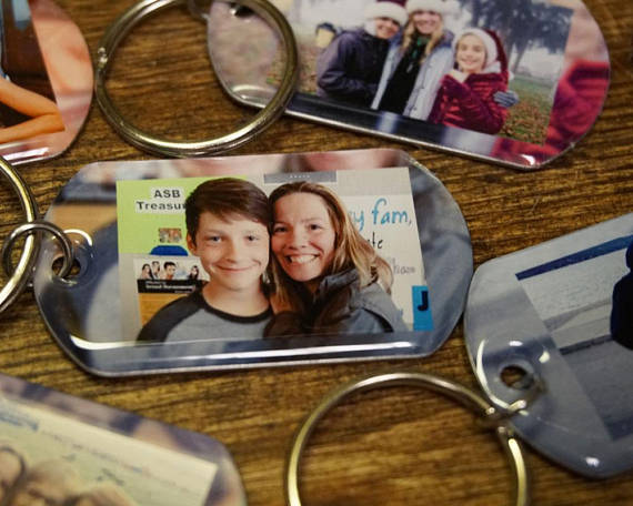 Comfort items to pack for back-to-school anxiety: Personalized key chain | Memorable Keeps