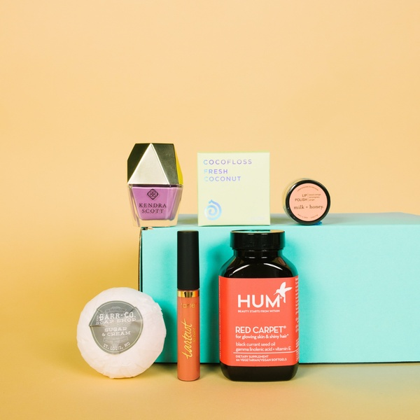 Cratejoy for a Cause limited edition gift box is a great deal, and 100% of the proceeds support St. Jude's