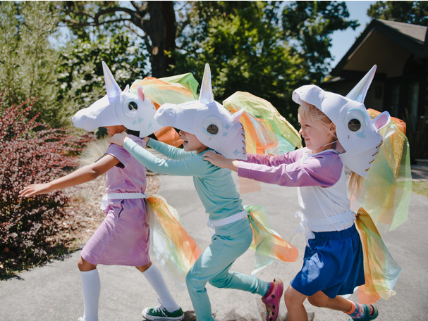 DIY Unicorn costume kit from Kiwi Co includes STEM components to help teach kids about phosphorescence and illumination in the glow-in-the-dark horn!
