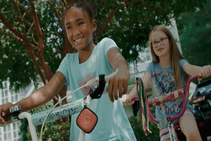 5 ways parents can empower our younger kids and tweens to be more independent.