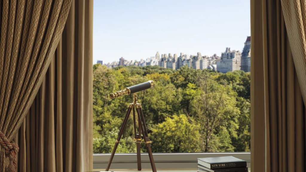 The Parkview Suite at the Ritz Carlton: One of the luxury suites you can book through Suiteness (sponsor)
