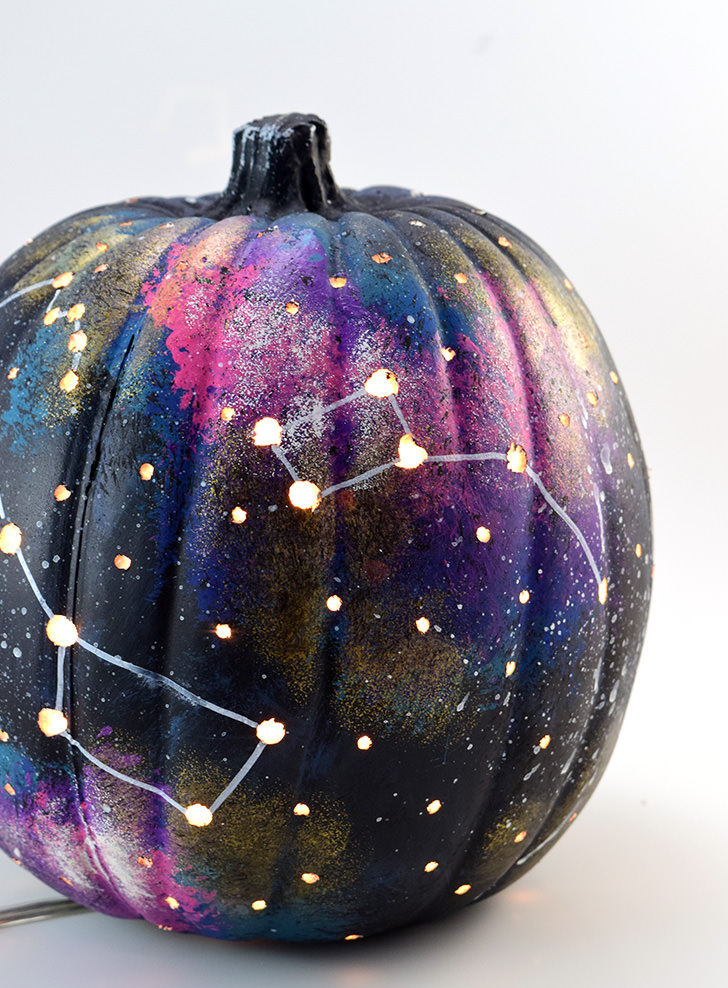 Galaxy pumpkin decorating craft for tweens, teens and big kids: Dream a Little Bigger has the tutorial