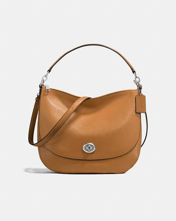 Coach turnlock hobo bag: Great holiday giftt, now 50% off!