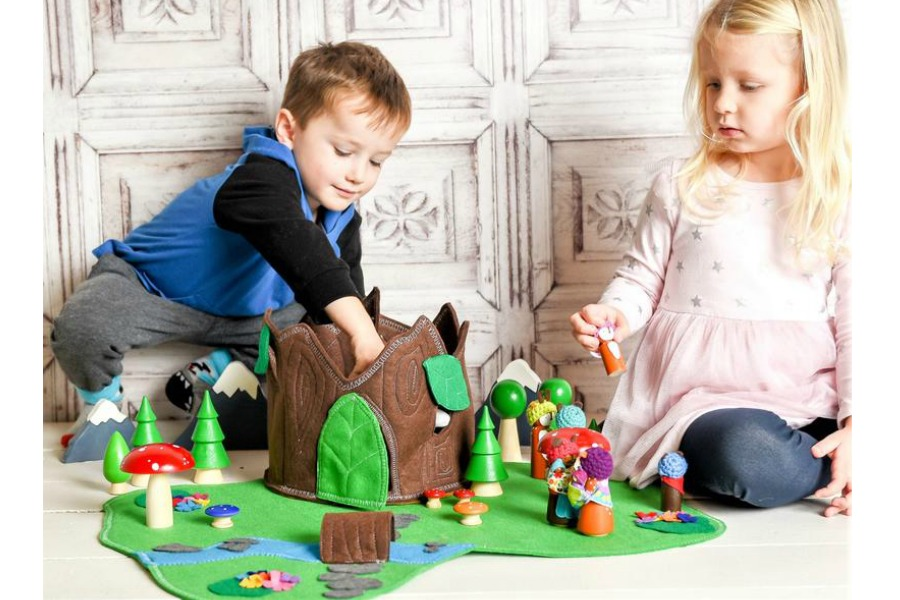 Felt play set by Zooble | The Coolest Birthday Gifts for 4 year olds
