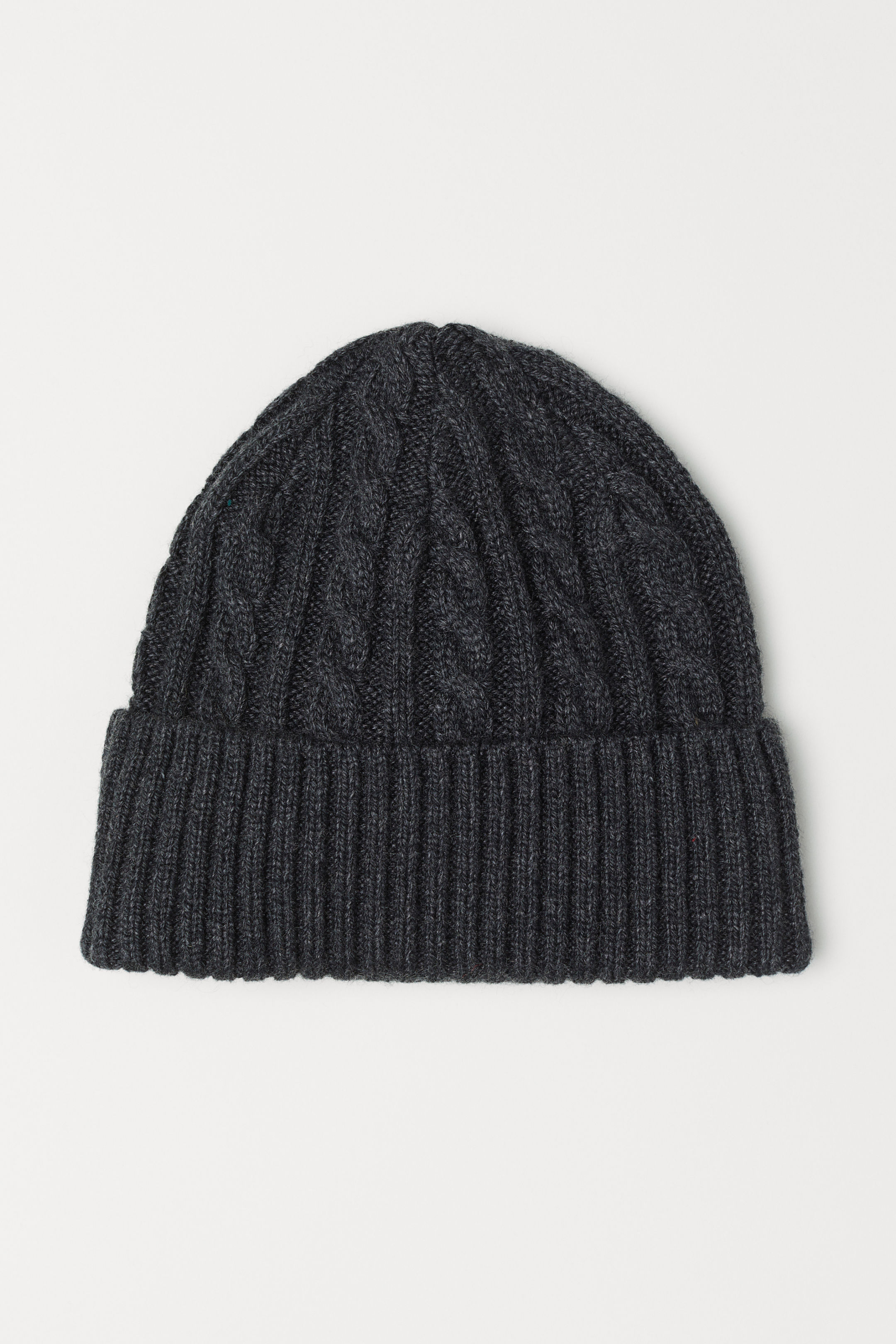 Cool affordable gifts under $15: Grey cable knit hat
