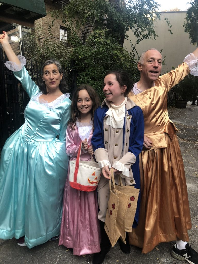 Best Garden Place, Brooklyn Halloween costumes 2018: Schuyler Sisters and Lafayette | © Cool Mom Picks