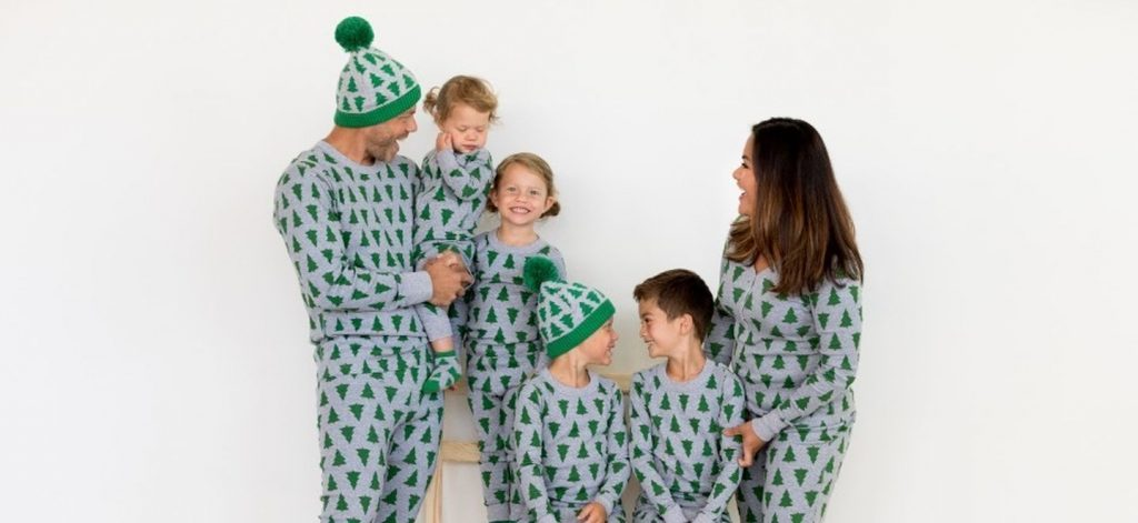 Modern Christmas pajamas from Hanna Andersson come in matching sets for the family -- and they're on sale!