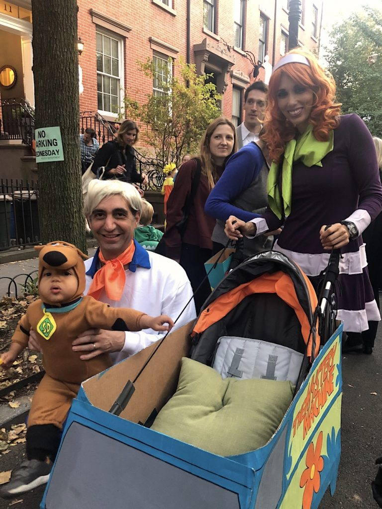Best Garden Place, Brooklyn Halloween costumes 2018: Scooby Doo family | © Cool Mom Picks