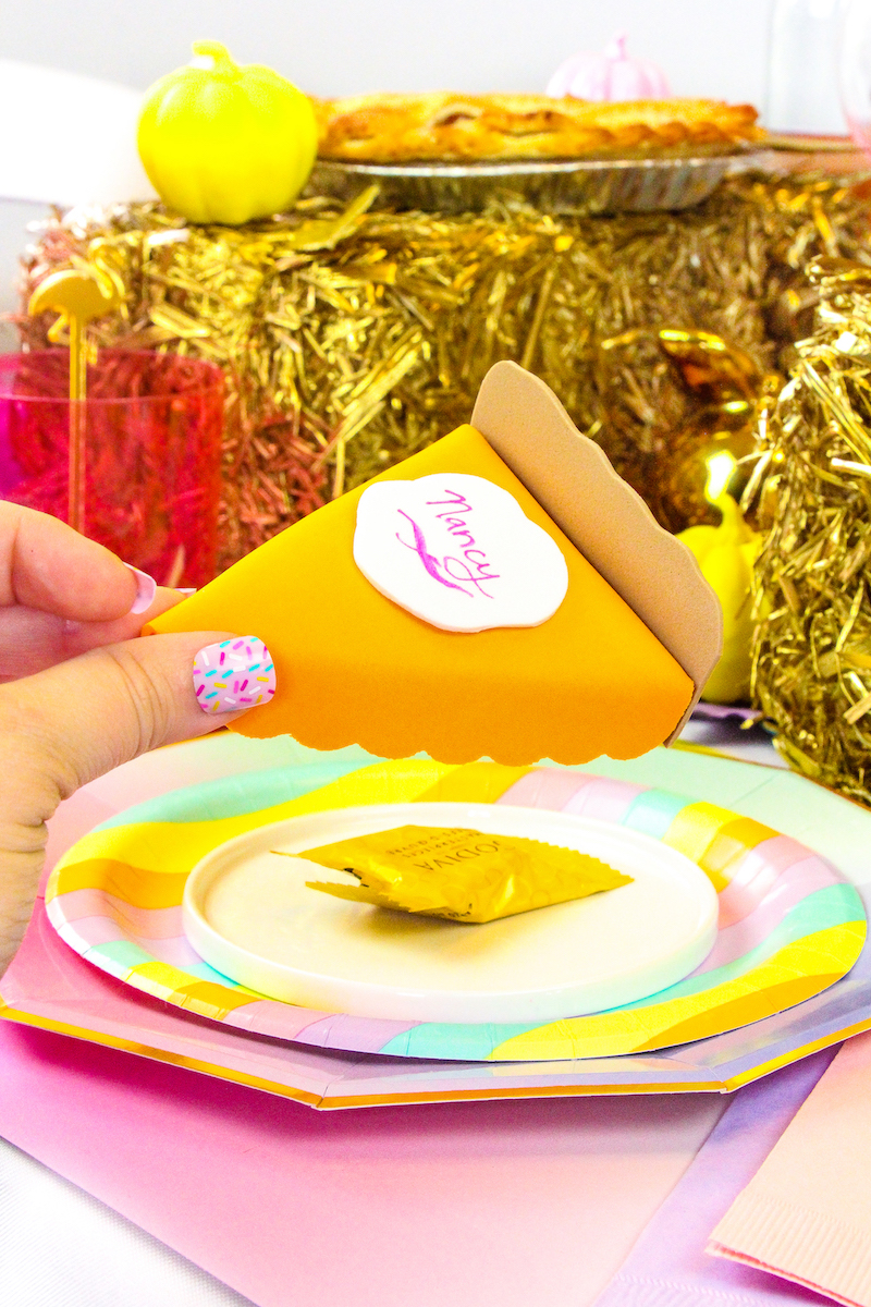 Kids Thanksgiving crafts that make cool centerpieces: Pie Slice place cards at Brite and Bubbly