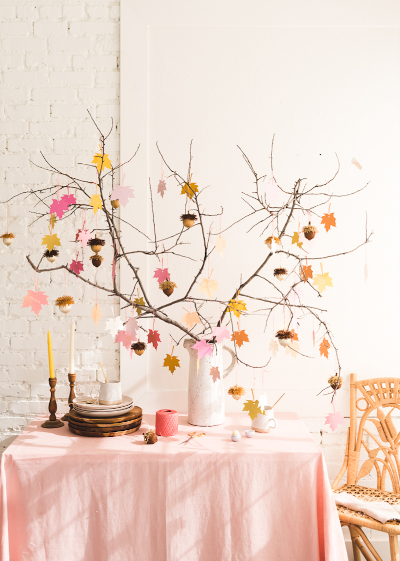 Kids Thanksgiving crafts that make cool centerpieces: Gratitude Tree at The House that Lars Built
