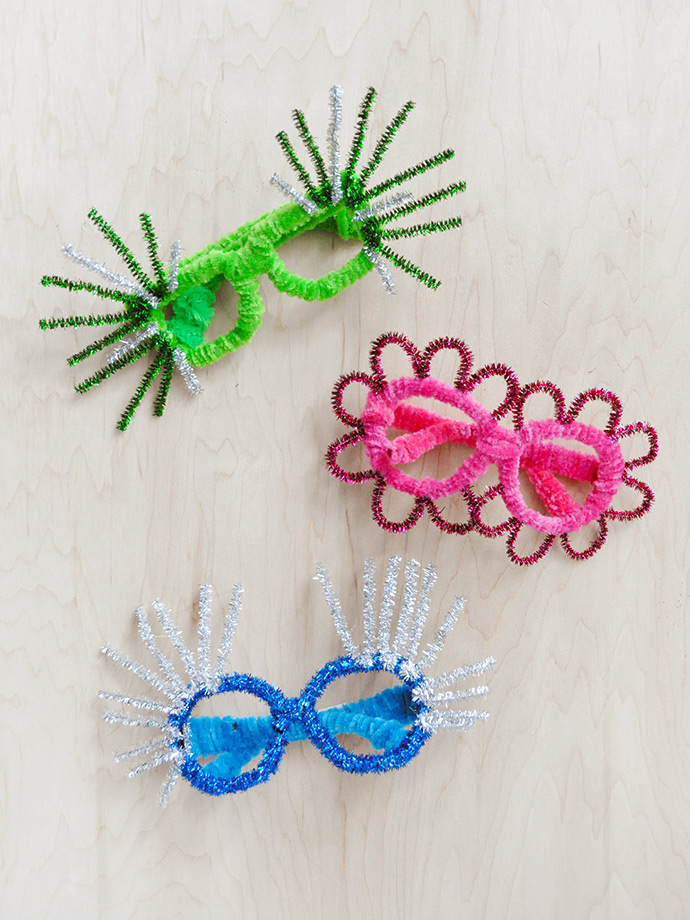 New Year's Eve activities with kid: Make your own DIY silly party glasses with this tutorial from Handmade Charlotte
