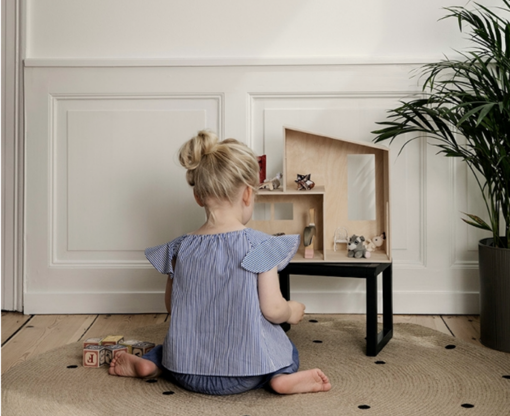 Small Funkis dollhouse from Design life Kids at Garmentory