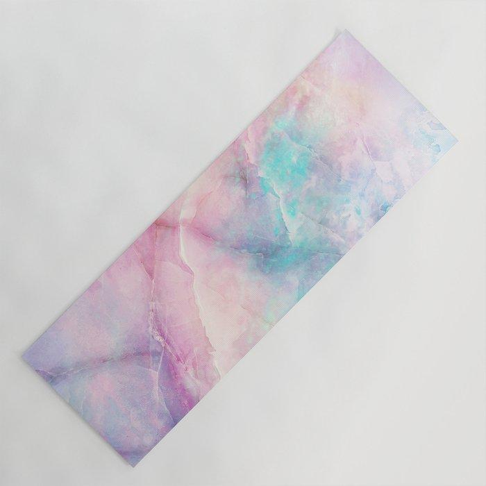Fresh yoga mats: Iridescent marble mat by Cafelab
