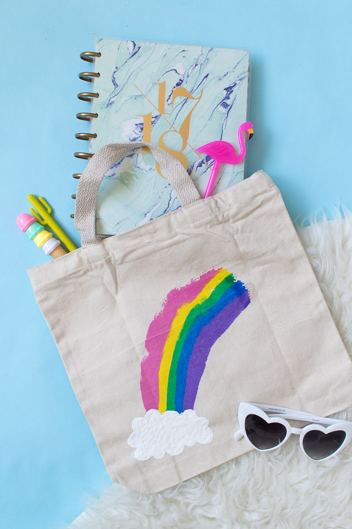 Rainbow crafts for St. Patrick's Day: DIY rainbow paint tote bag | Club Crafted
