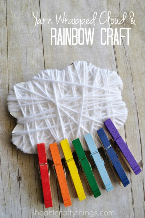 Rainbow crafts for St. Patrick's Day: yarn wrapped cloud and rainbow craft | I Heart Crafty Things