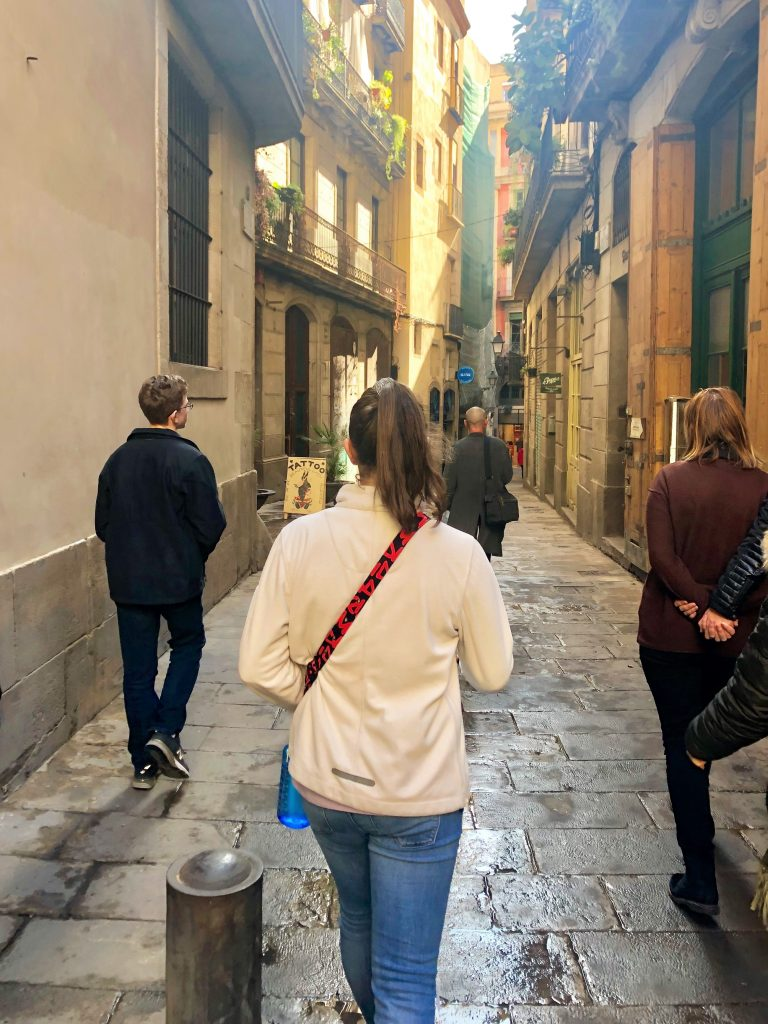 Barcelona travel with teens: Tips and tricks from Linda Kerr of TravelTeening | Read more: Coolmompicks.com