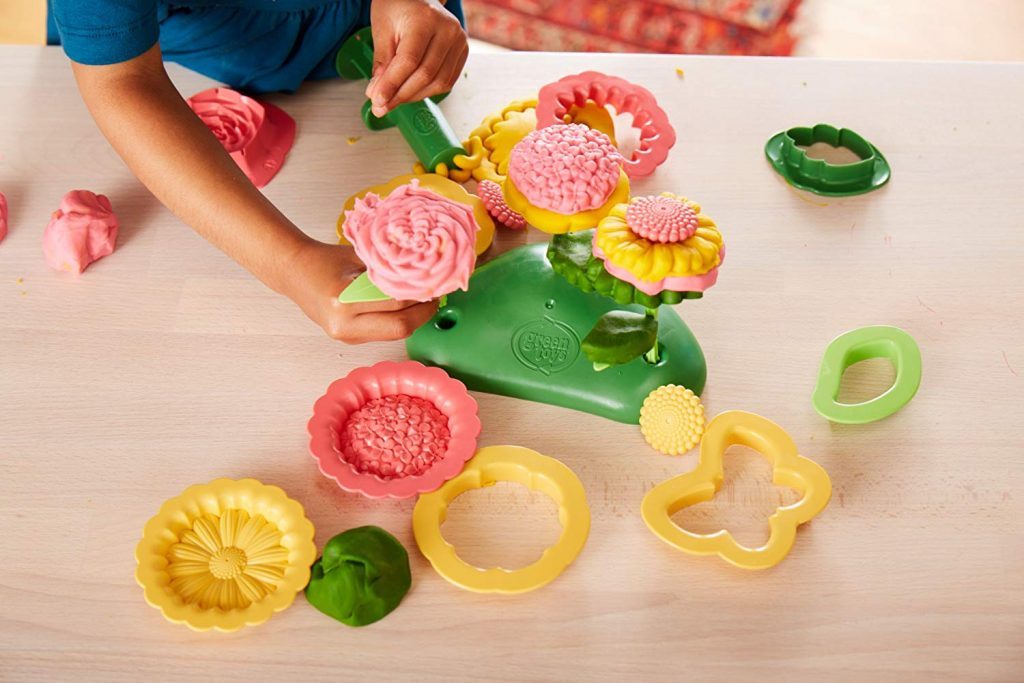 Green Toys flower maker play dough activity set : Cool Easter ideas under $20 for kids of all ages