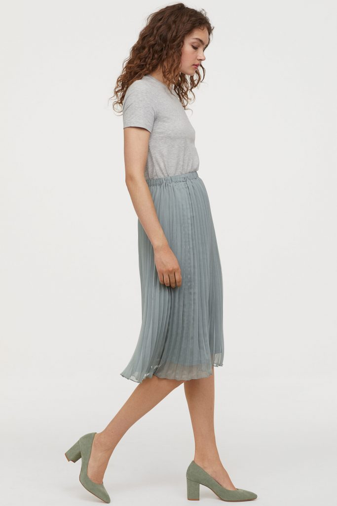 1b347d1ee00557 Spring 2019 fashion trends: Pleated skirts and dresses are hot and we found  this super