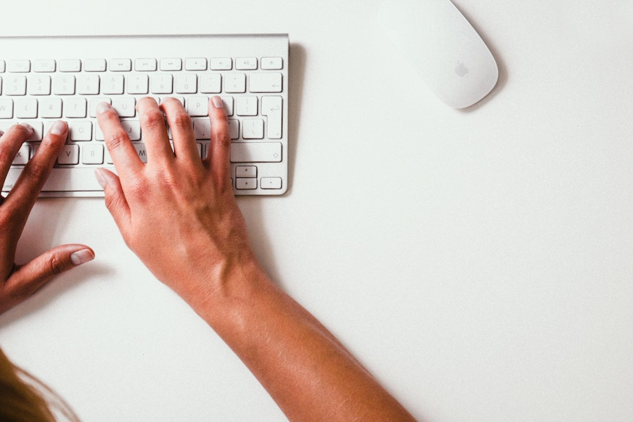 10 super easy, totally free ways to help support your favorite independent publishers + keep that content free for you!