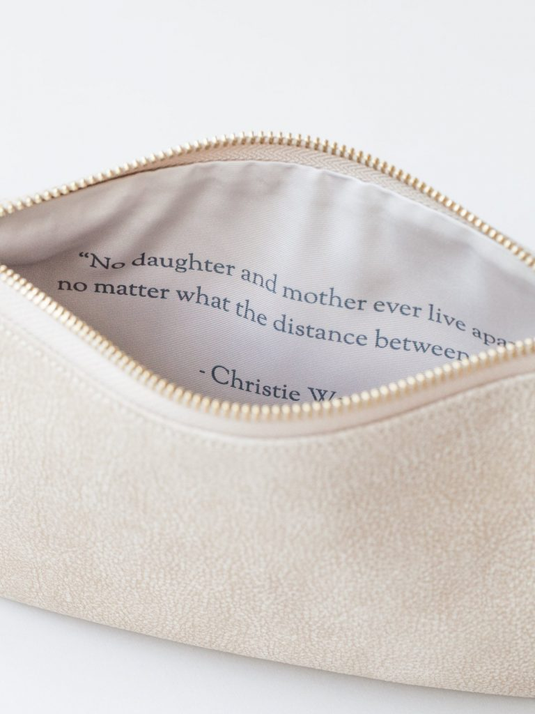 Personalized clutch or handbag printed with your own note inside from Fontem: Perfect for Mother's Day!