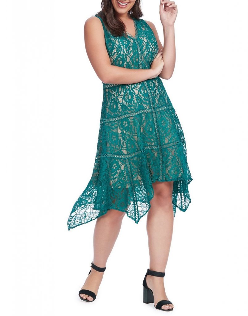 Comparing prom dress rental sites: Taylor emerald green lace dress at Gwynnie Bee