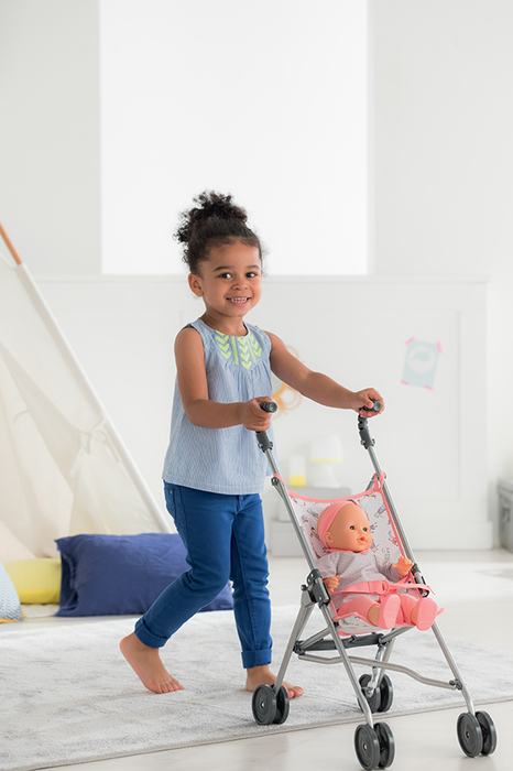 The benefits of playing with baby dolls, from building social skills to learning cooperation, building imagination and more! | Cool Mom Picks