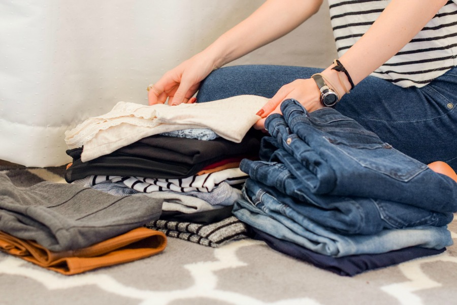 5 smart laundry tips for families that actually work. Because we use them ourselves.